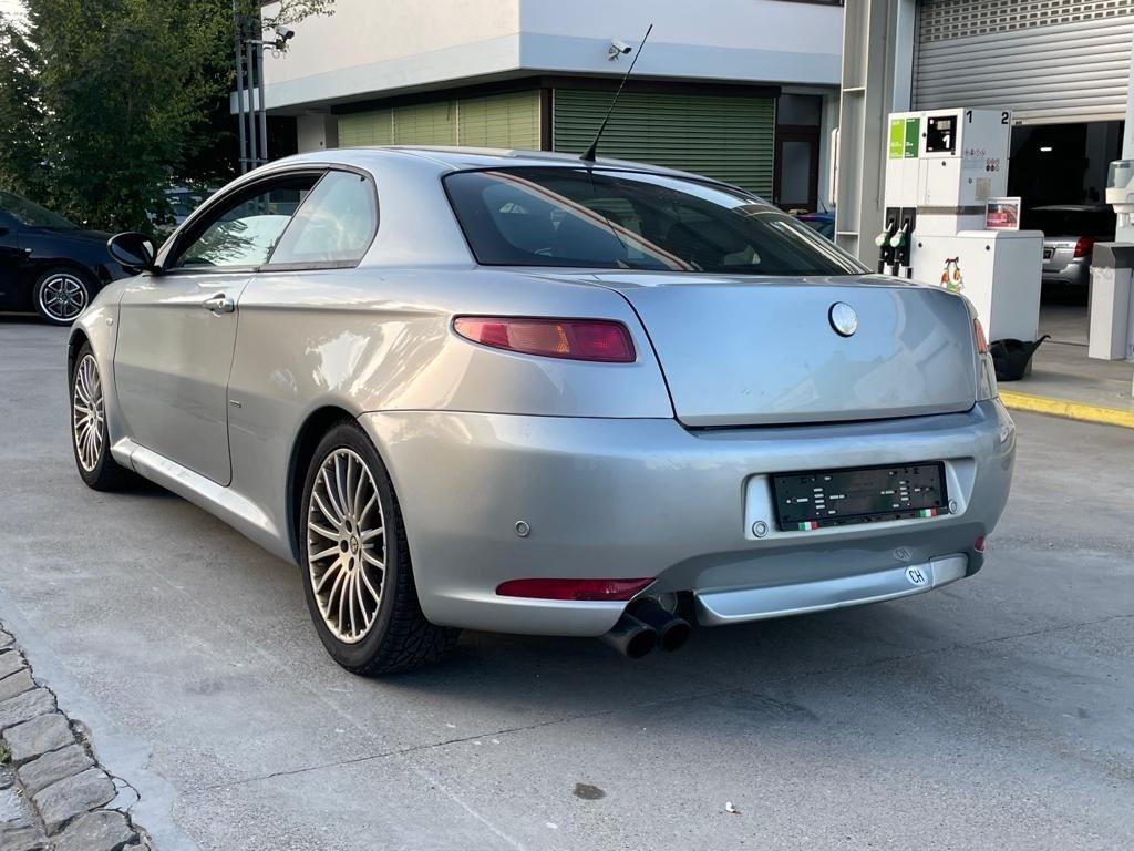 ALFA ROMEO GT 2.0 JTS Distinctive, Benzin, Occasion / Gebraucht, Handschaltung