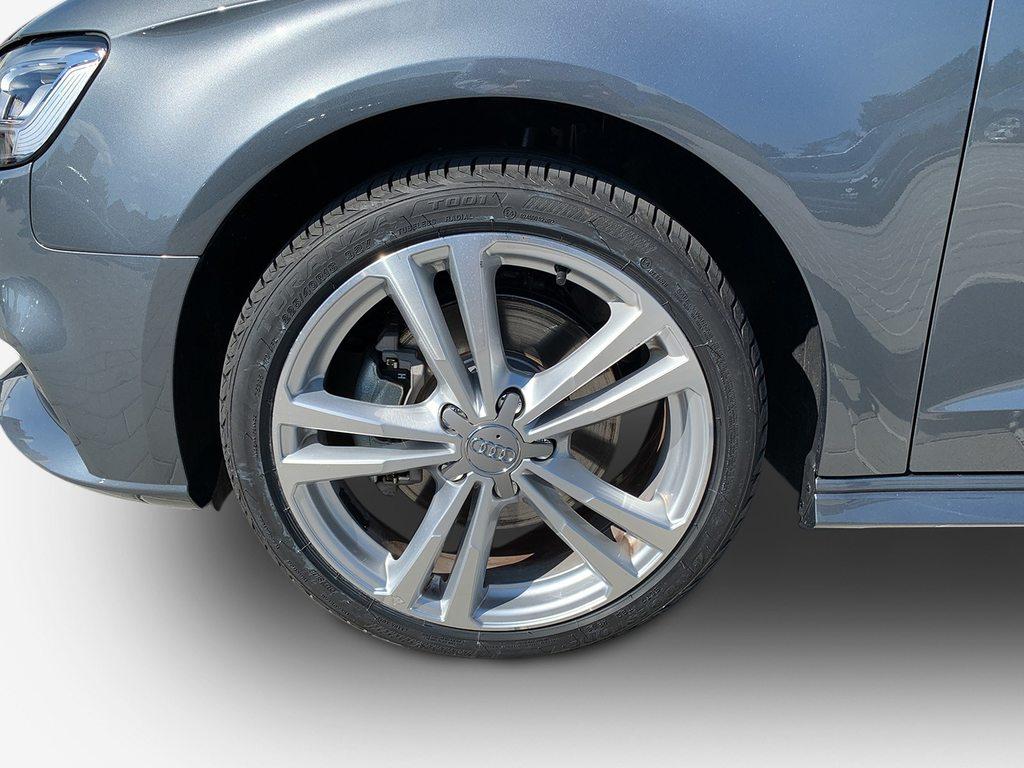 AUDI A3 Sportback 40 TFSI e sport, Hybrid (petrol/electric), Second hand/used, Automatic