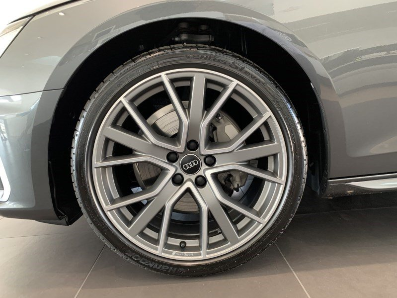 AUDI A4 Avant 40 TDI S line Attraction, Diesel, Occasion / Gebraucht, Automat