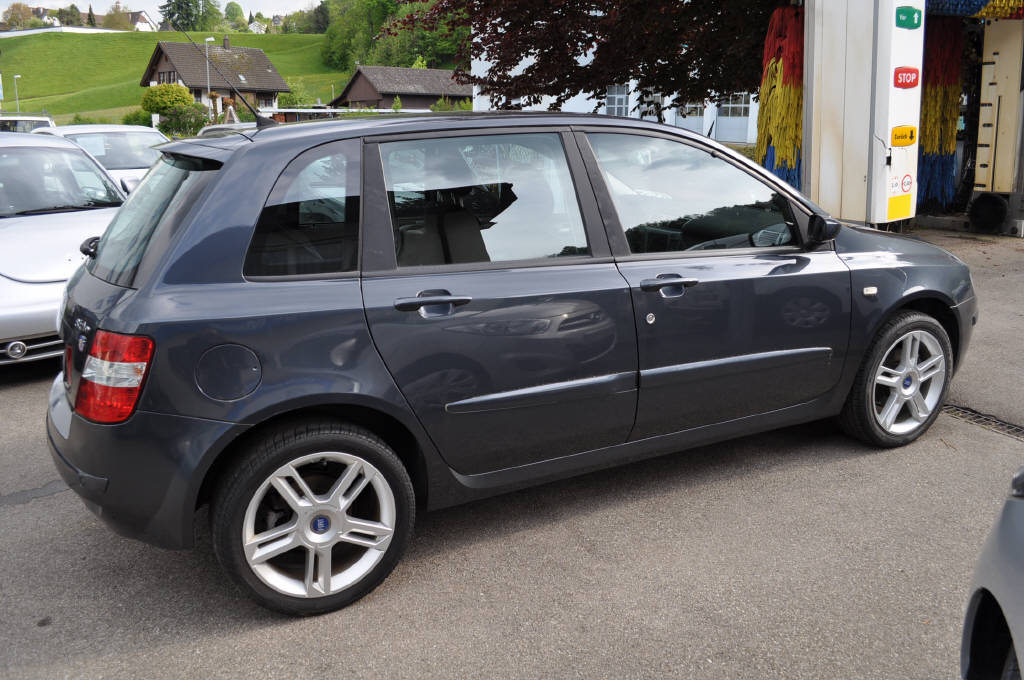 FIAT Stilo 2.4 20V Dynamic, Petrol, Second hand/used, Manual