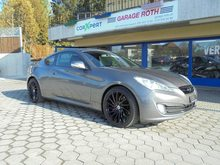 HYUNDAI Genesis, Petrol, Second hand/used, Manual