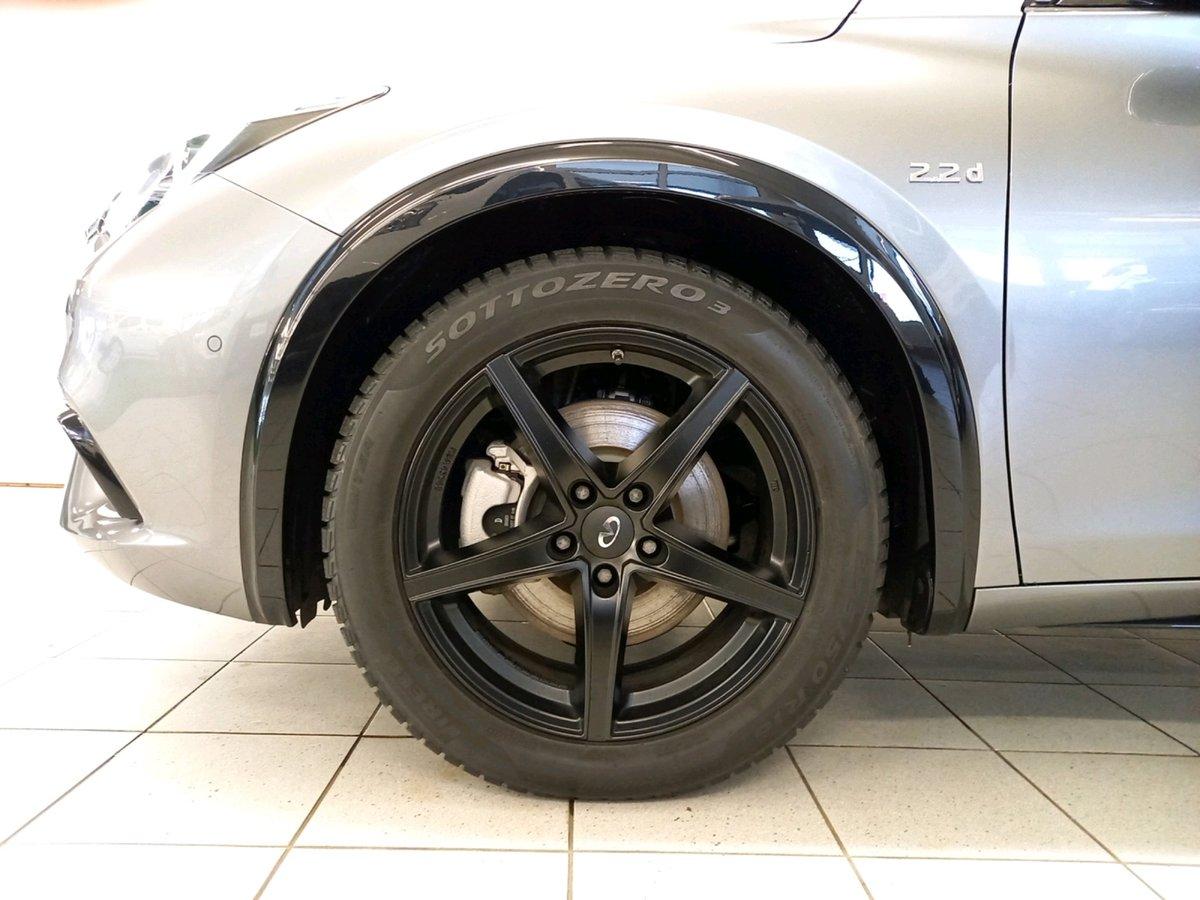 INFINITI Q30 2.2d Premium Tech DCT AWD, Diesel, Vorführwagen, Automat