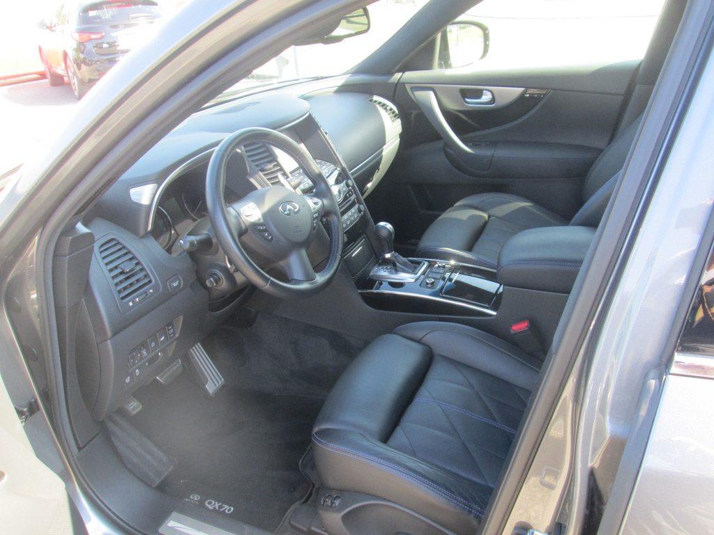 INFINITI QX70 3.7 Ultimate AWD Automatic, Benzin, Occasion / Gebraucht, Automat