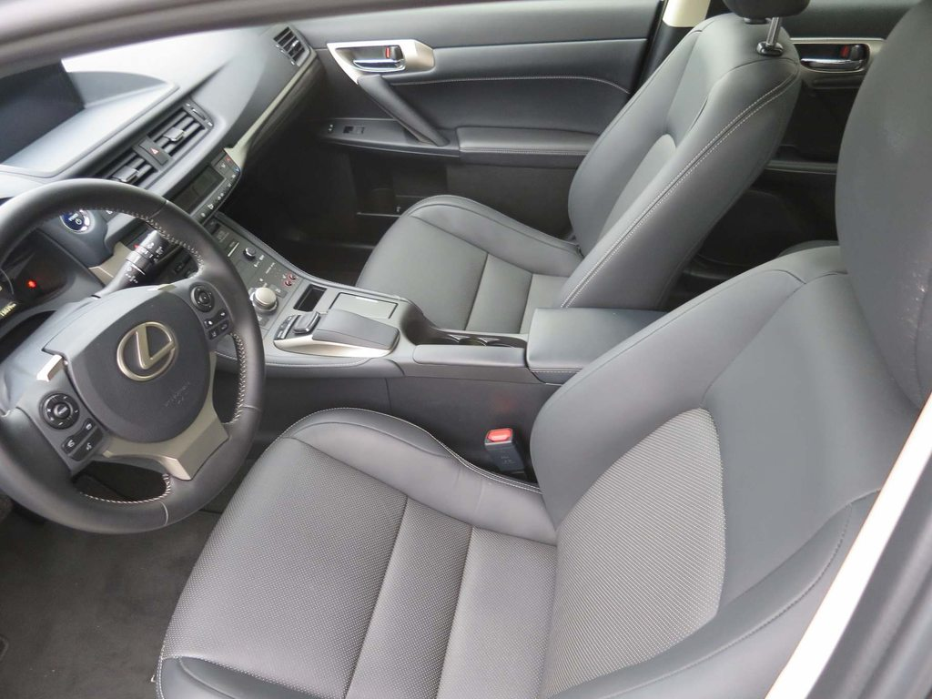 LEXUS CT 200h Excellence, Hybride (Essense/Electrique), Occasion / Utilisé, Automatique