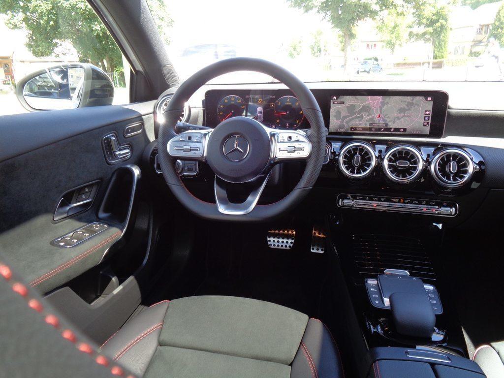 MERCEDES-BENZ A 220 d 4Matic AMG Line, Diesel, Occasion / Gebraucht, Automat