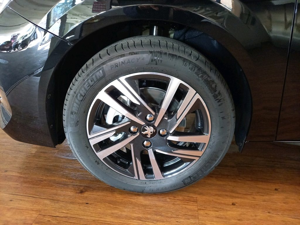 PEUGEOT 208 1.2 PureTech 100 Allure Pack, Benzina, Auto nuove, Automatico