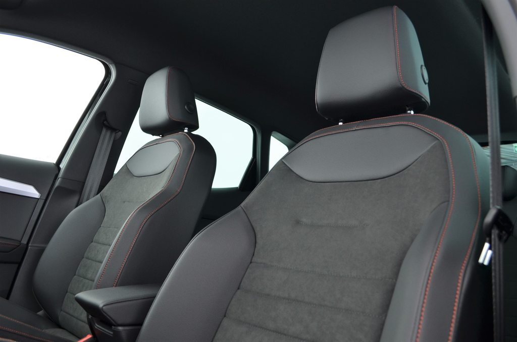 SEAT ARONA HOLA FR (netto), Essence, Voitures neuves, Automatique