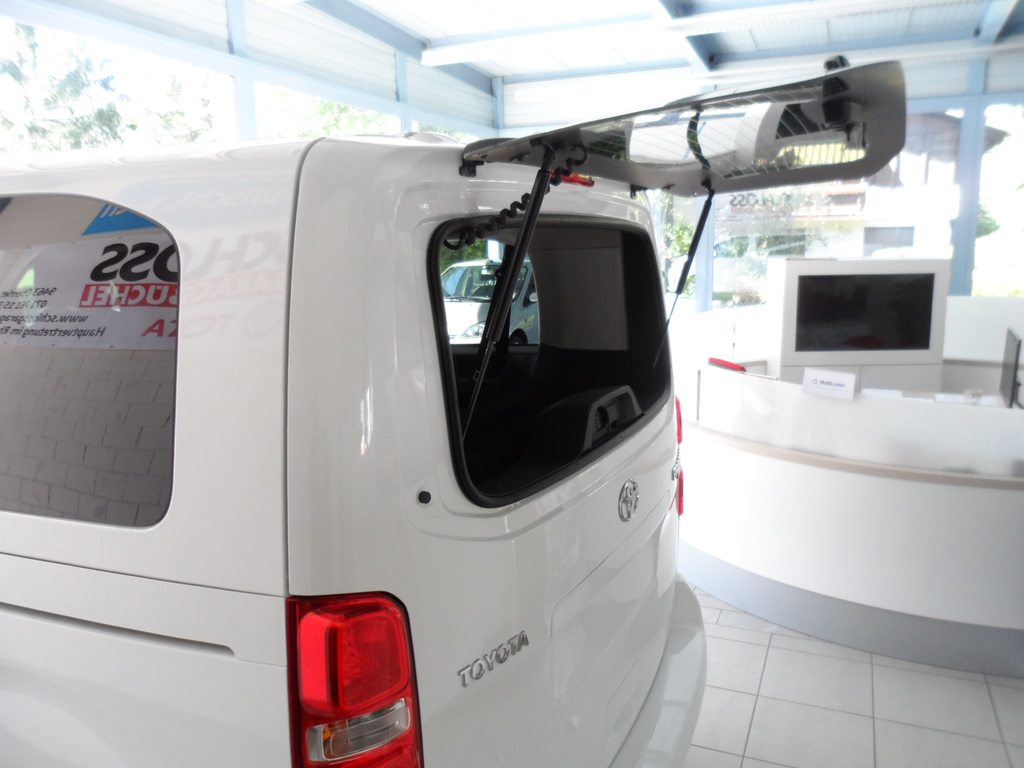 TOYOTA Proace Verso 2.0 D-4D Trend Medium, Diesel, Occasioni / Usate, Cambio manuale