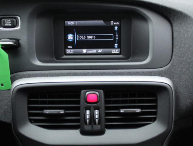 VOLVO V40 D2 Kinetic, Diesel, Occasion / Gebraucht, Handschaltung